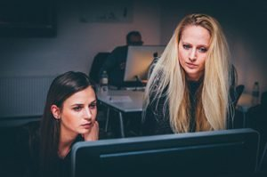Women And Men Generate More Successful Businesses With Help From Online Business Coaching